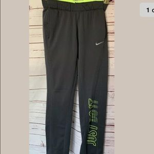 Nike Just Do It Therma-Fit Straight Athletic Pants